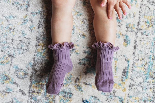 "Collégien // Collegien ""Lili"" Lace Ruffle Trim Short Socks in Glycine Du Japon - All The Little Bows"