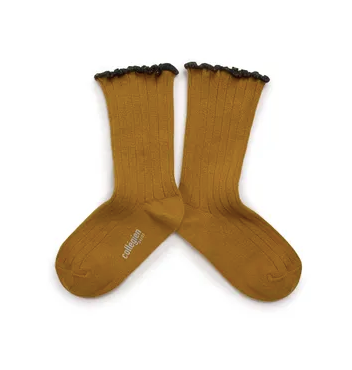 Collégien // Collegien Lettuce Trim Short Socks in Moutarde de Dijon - All The Little Bows