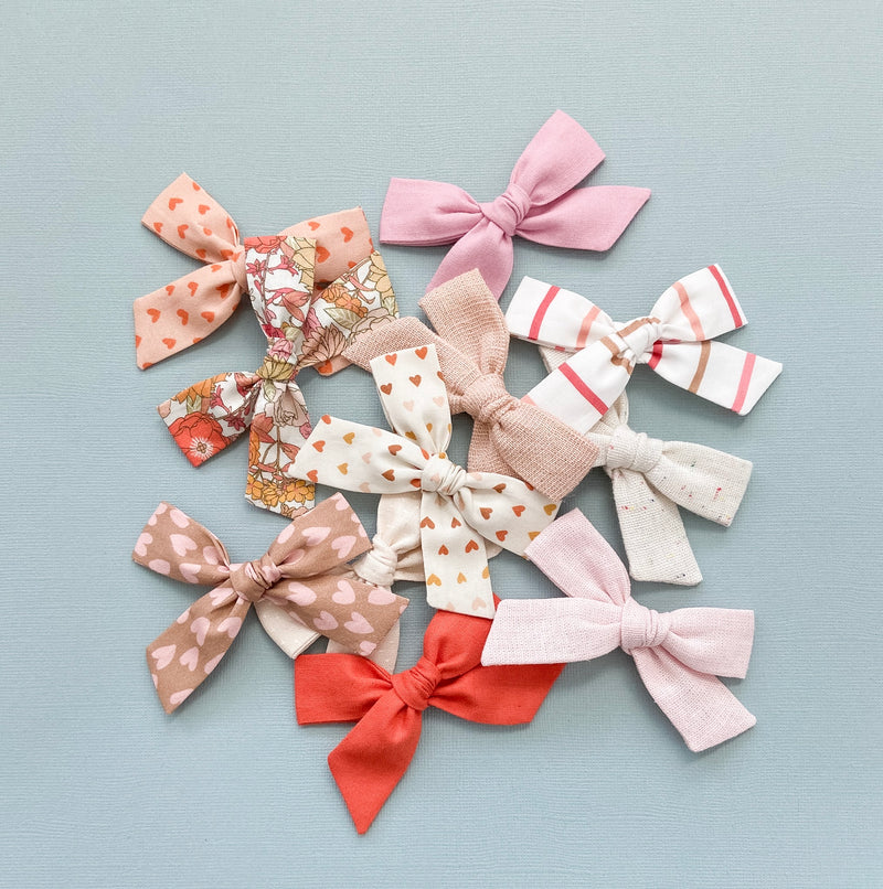 All The Little Bows // Classic Bow | Funfetti Linen - All The Little Bows