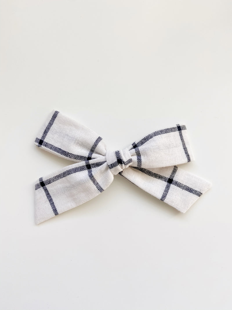 All The Little Bows // Oversized Bow | Grid - All The Little Bows
