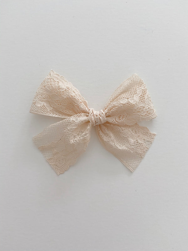 "All The Little Bows // ""Daphne"" Vintage Lace Bow - All The Little Bows"
