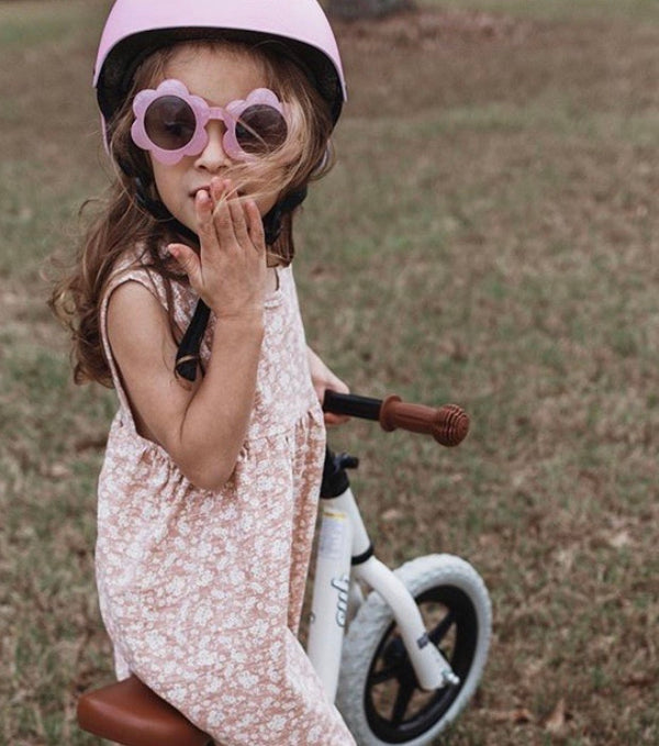 All The Little Bows // Flower Power Sunnies - All The Little Bows
