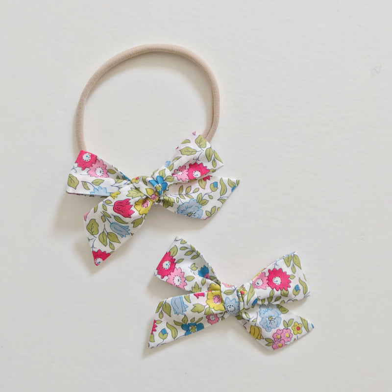 "All The Little Bows // Classic Bow // Liberty of London ""Vita"" in Pink/Red - All The Little Bows"