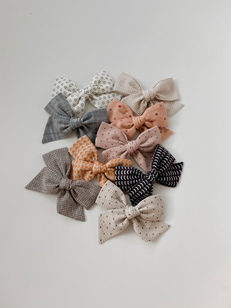 All The Little Bows // Pinwheel Bow | Moon Magic - All The Little Bows