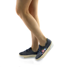 Denim Casual Shoe with Embroidery (978.002) - SIMPLY SHOES HONG KONG