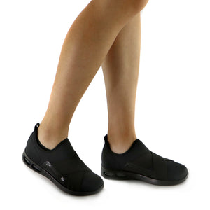 Light Step Slip On Black Ladies Sneaker (979.002)
