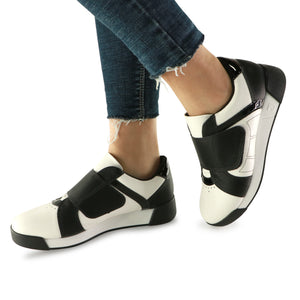 Black/White Sneakers for Women (988.003) - SIMPLY SHOES HONG KONG