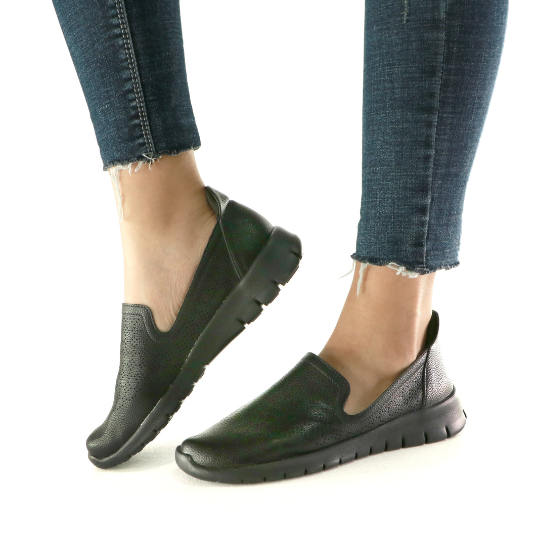 Black Sneakers for Women (970.032) - SIMPLY SHOES HONG KONG