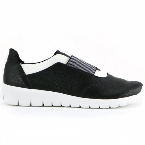 Black/White Sneakers with White Soles for Women (970.028) - Simply Shoes Hong Kong