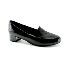 Black Pat Women's Pumps (140.105)