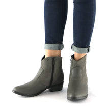 Napa and Microfibra Grey Ankle Boot (652.005)