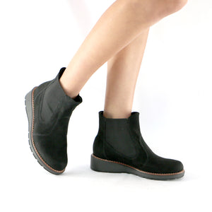 Elastic Black Microfibra Ankle Boot (731.018) - SIMPLY SHOES HONG KONG