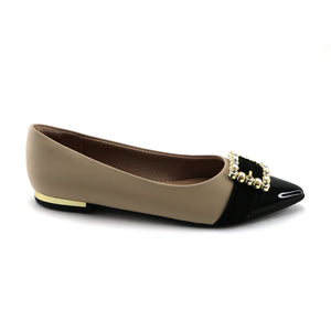 Nude/Black fashionable buckle flat shoe (274.037)