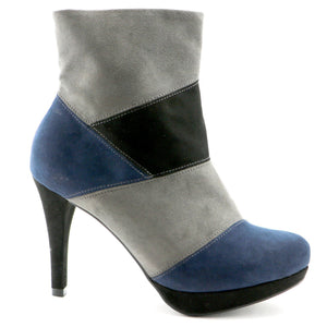 Grey and navy  boot (841.028)