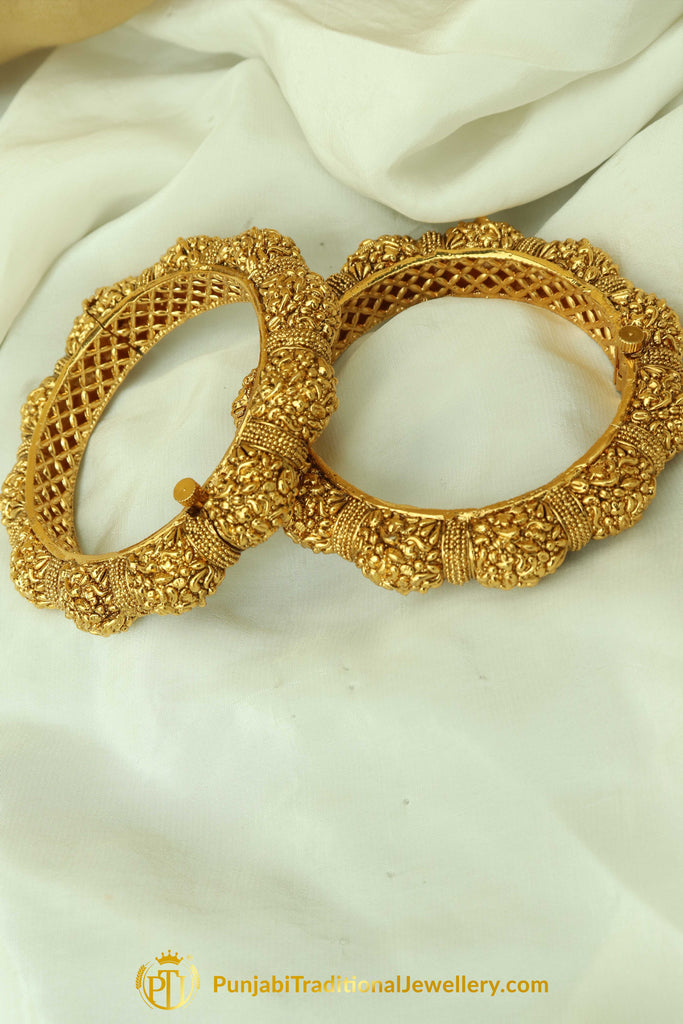 Farheen Antique Gold Finished Gokhdu Openable Karra Bangles (Pair)| Punjabi Traditional Jewellery Exclusive