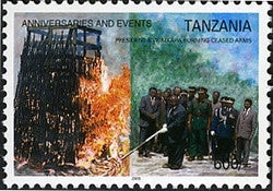 Anniversaries & Events - President B.W. Mkapa burning seized arms - Philately Tanzania stamps