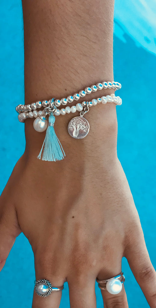 STERLING SILVER STRETCH BRACELET WITH PEARL & SEA MIST TASSEL