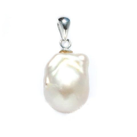 MOTHER OF PEARL FLOWER STERLING SILVER PENDANT