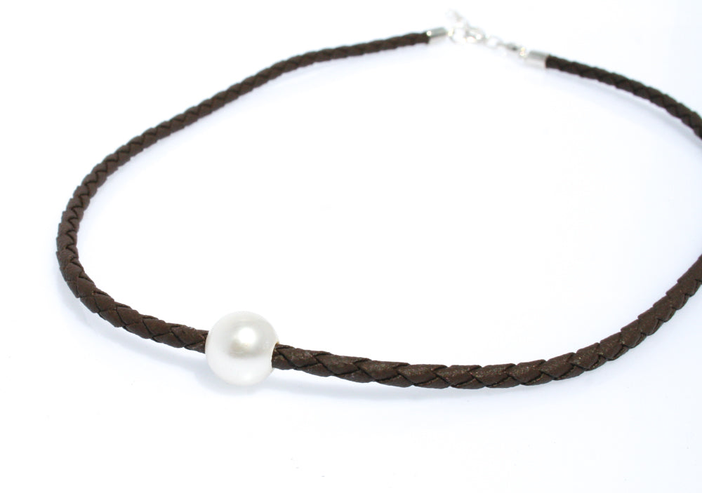 BREE PEARL ON BROWN BRAID NECKLACE