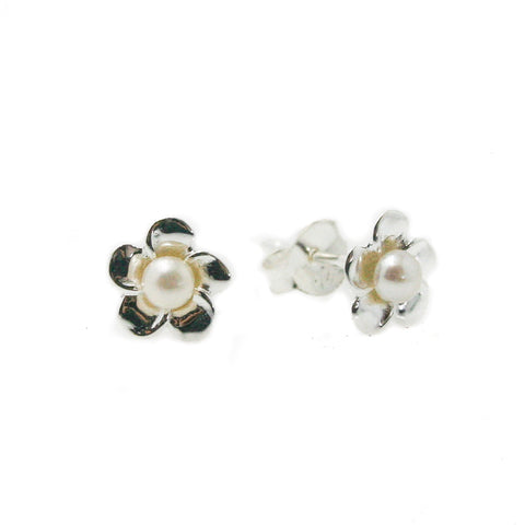 PEARL STUDS BEZEL SET 4mm