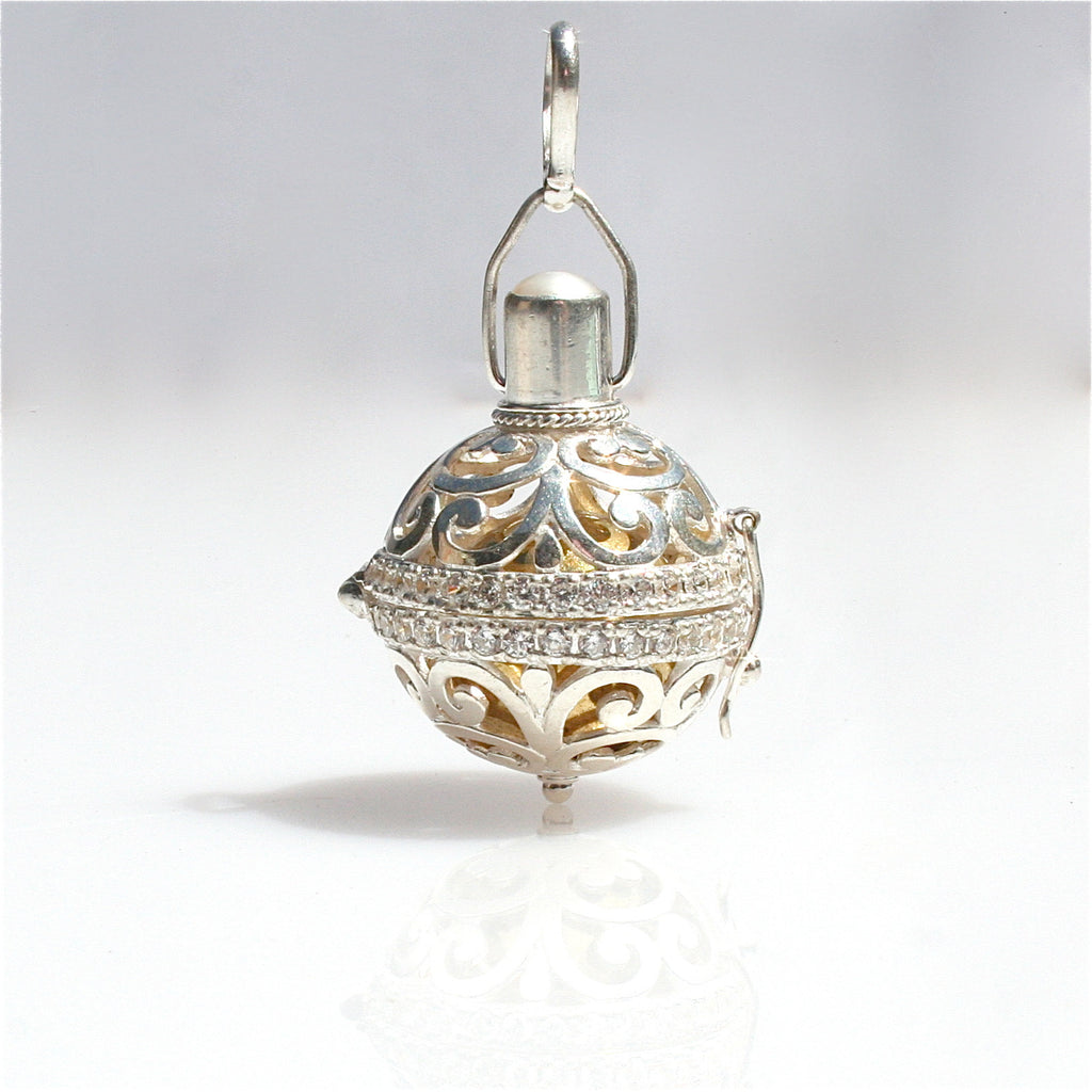 JEWELS OF THE SEA PENDANT