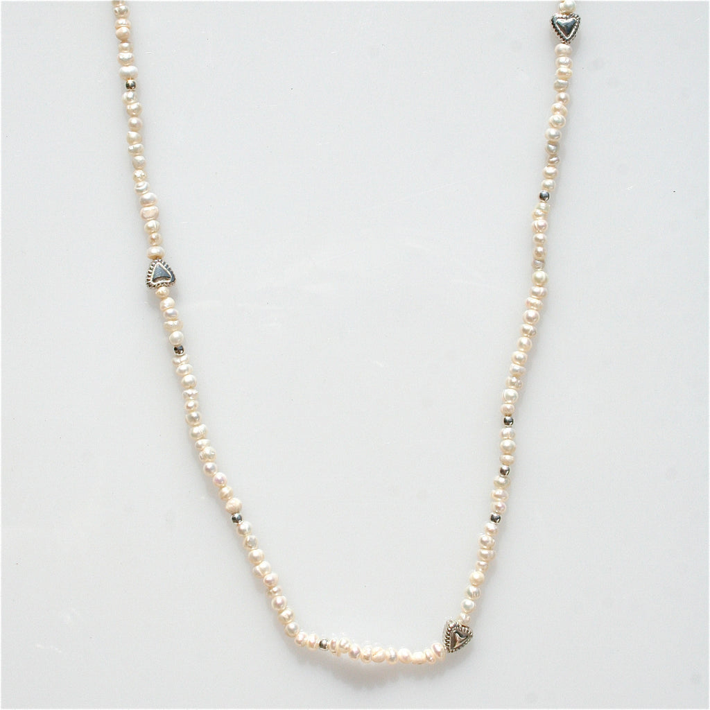 LOVE SEED PEARL NECKLACE