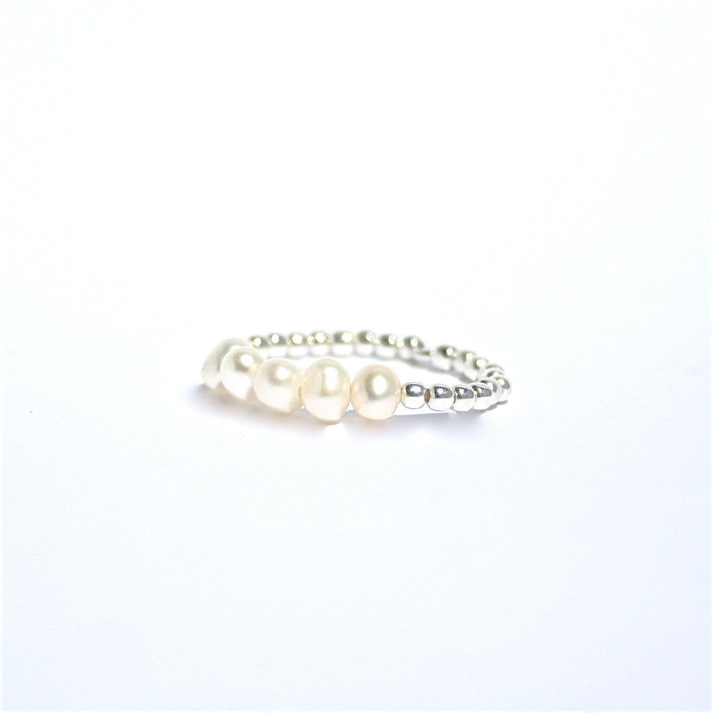 PEARL & STERLING SILVER STRETCH RING