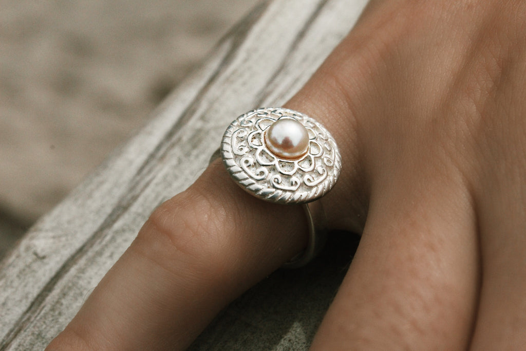 CHINATOWN LADIES PEARL RING SILVER SMALL