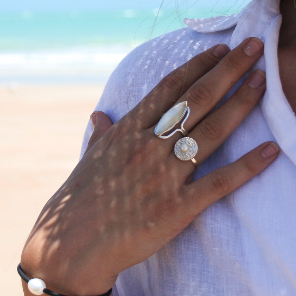 MOTHER OF PEARL STERLING SILVER RING