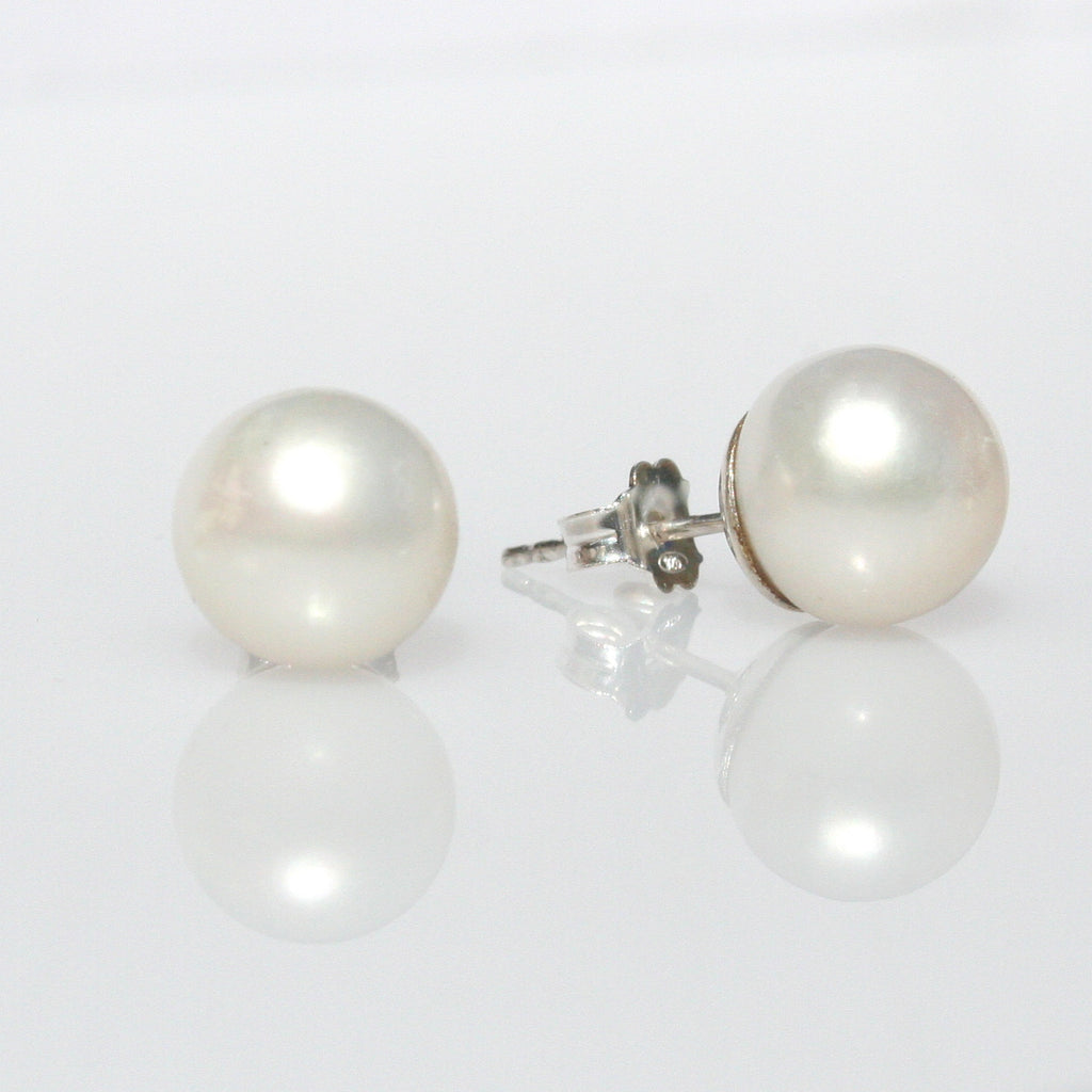 WHITE PEARL STUDS 10 mm