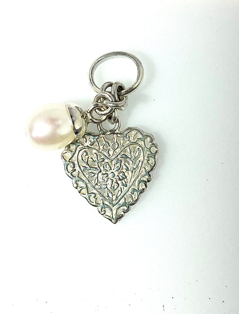 HEART CHARM WITH PEARL