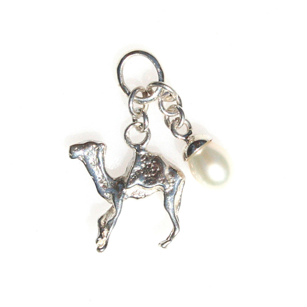 CABLE BEACH CAMEL & PEARL PENDANT/CHARM