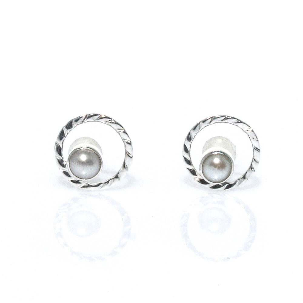 ladies pearl studs