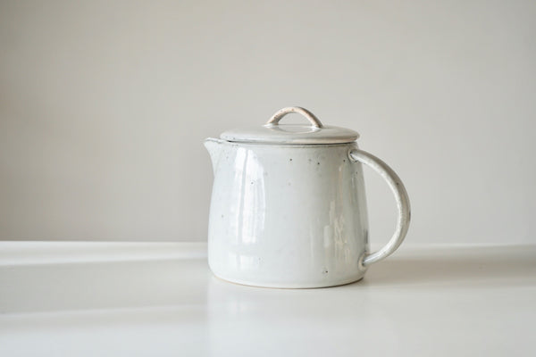 Nordic Sand Teapot - Palest Grey