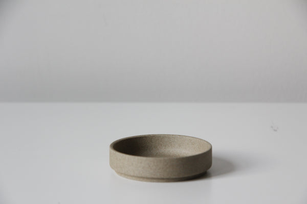 Small stacking saucer/lid