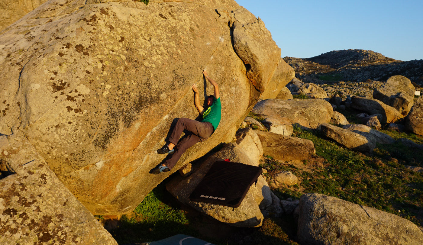 Bouldering on Tinos, Greece
