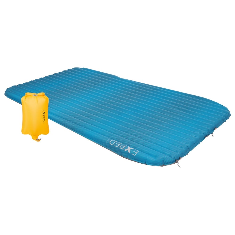 Exped AirMat HL Duo M sleeping mat in blue colour with yellow airpump sack