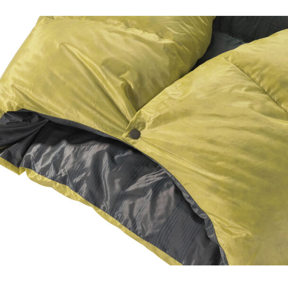button on Thermarest Corus 20F/-6C Quilt in golden colour