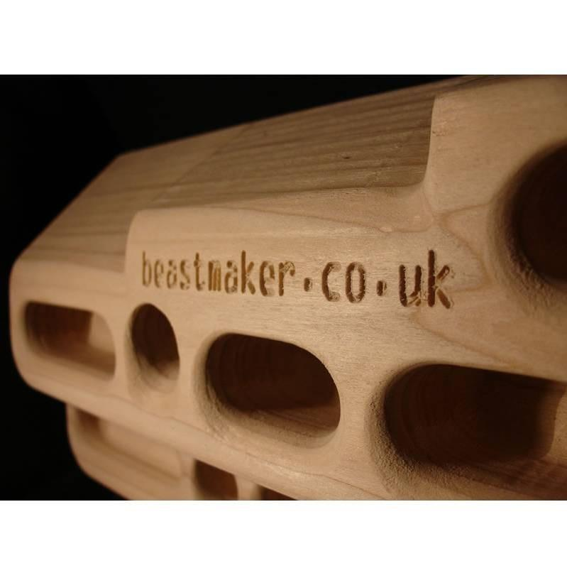 Beastmaker 2000 fingerboard, side view showing hold depths