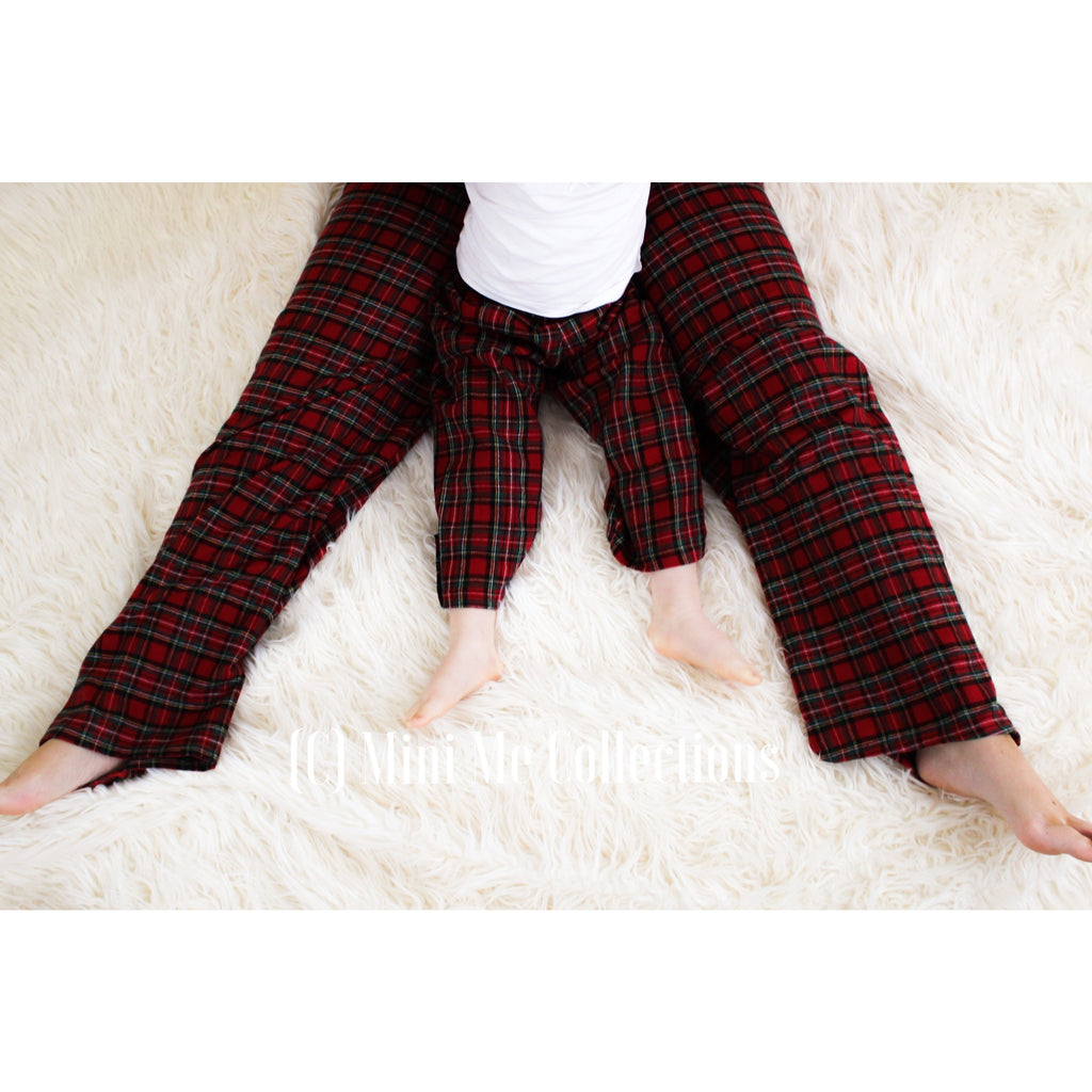 Matching loungewear whole family. Uk sleepwear cotton. Tartan pjs. Tartan loungewear. Matching dad and son. Matching dad and daughter. Matching mum and son. Matching mum and daughter.