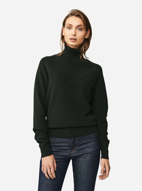 The Turtleneck Sweater - Green