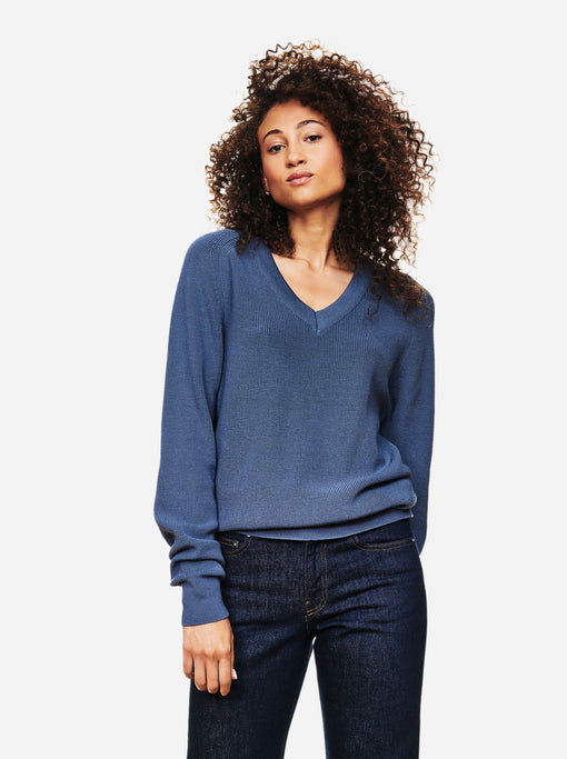 The V-Neck Sweater - Sky blue