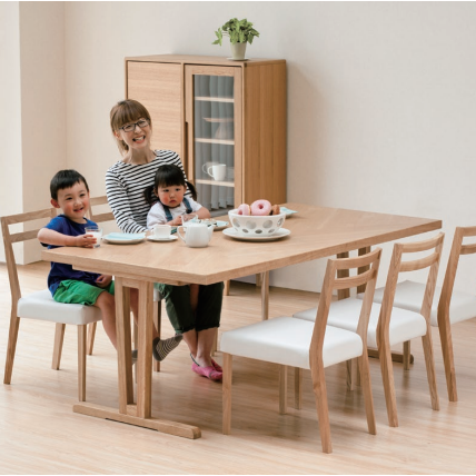 Eddy Dining Table