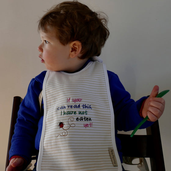 ....Pack of 2 Extra Long Organic Cotton Bibs..Set de 2 bavoirs extra longs en coton bio....