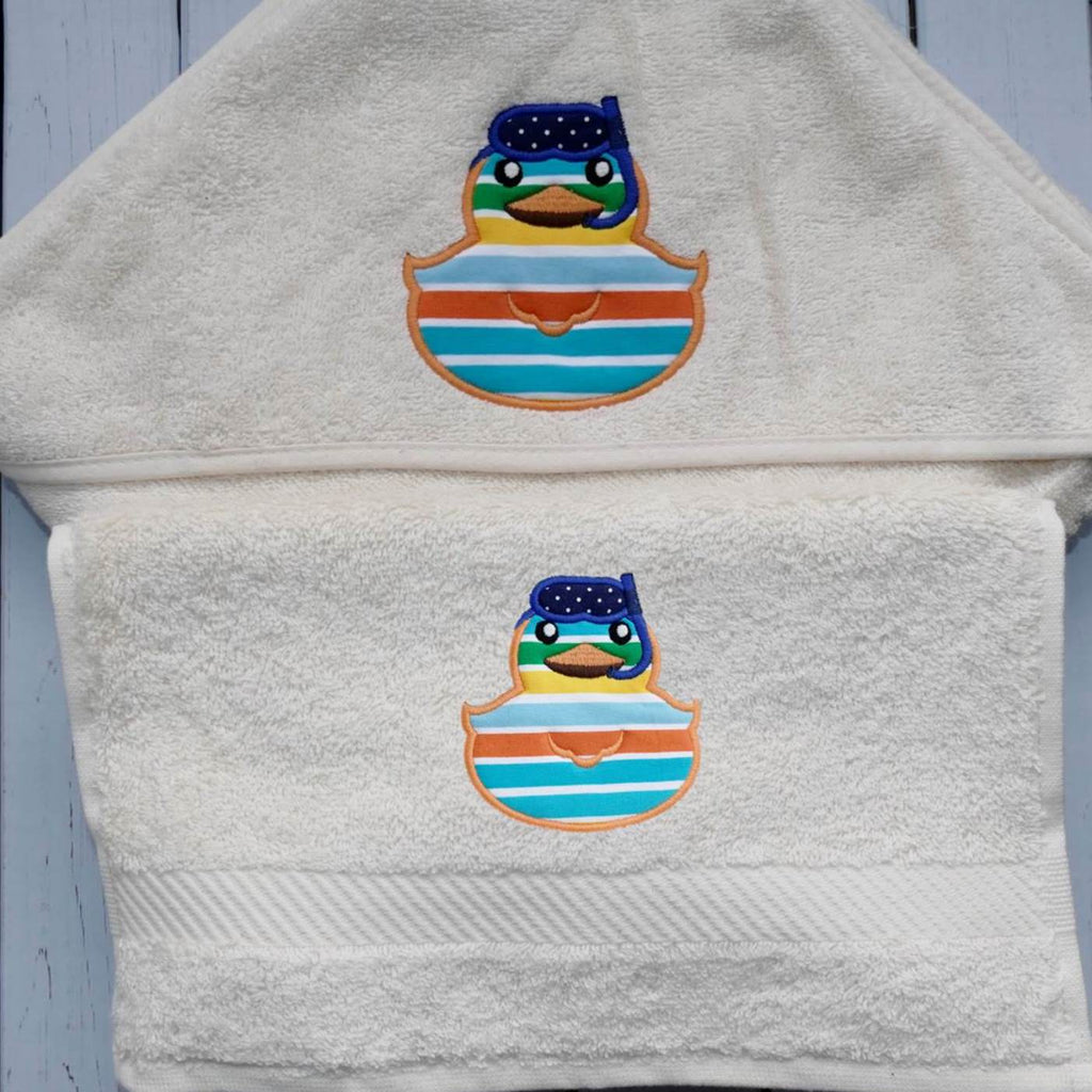 ....Duck & Snorkel Bath Set Hooded Baby Towel and Face Cloth..Set de bain - cape de bain et serviette débarbouillette personnalisable....