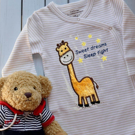 Organic sleepsuit with embroidered giraffe