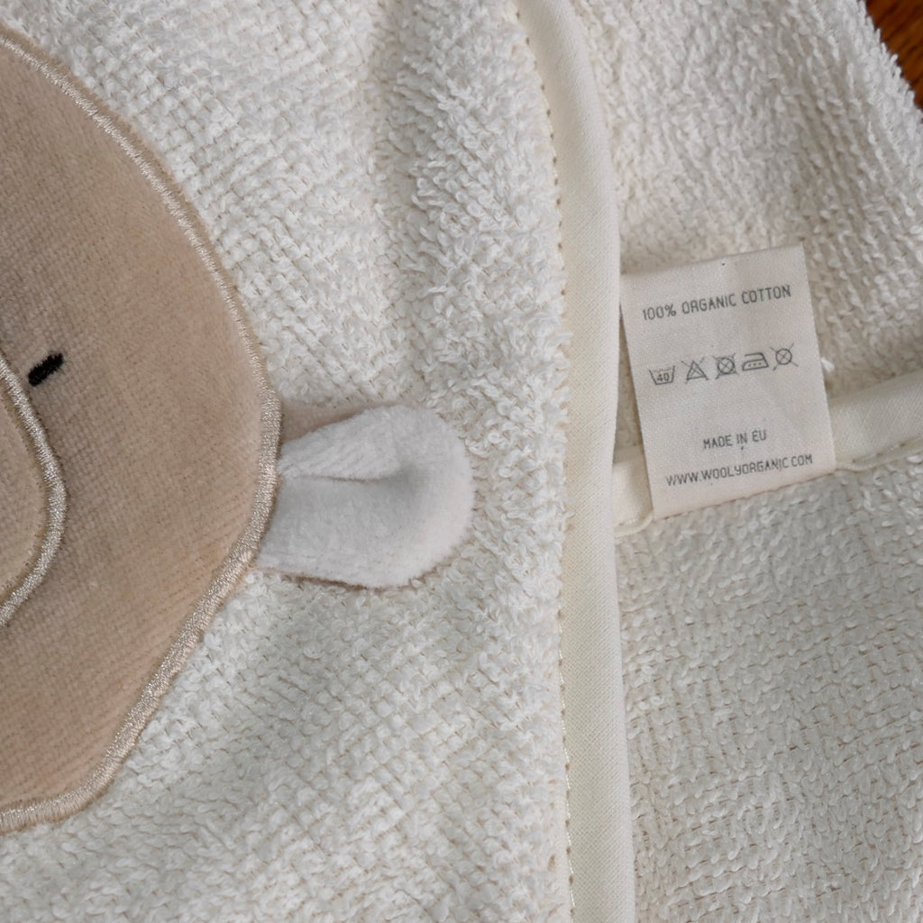 ....Sweet Baby's Bath Towel with Hood - Teddy..Douce cape de bain pour bébé avec capuche - Ours....