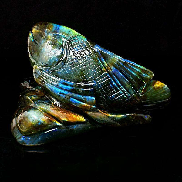 gemsmore:Amazing Blue & Golden Flash Labradorite Carved Fish