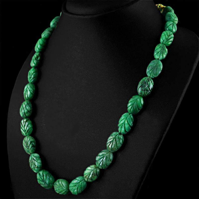 gemsmore:Natural Untreated Green Emerald Necklace Oval Shape Carved Beads