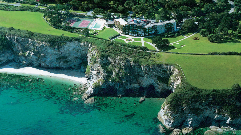 cornwall-cliff-hotel-tennis-court